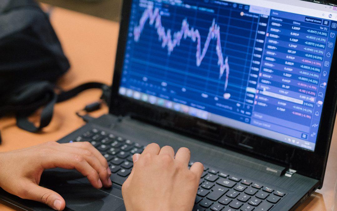 MANIPOLAZIONE VALUTARIA: Chi può davvero alterare l'andamento delle valute? 💱